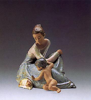 Wakeup Kitty Lladro Figurine