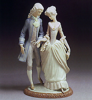 Walk In Versalles Lladro Figurine