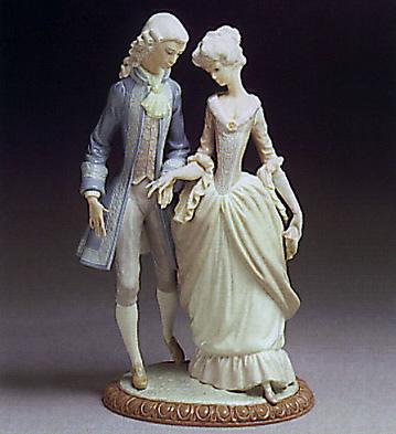 Walk In Versalles Lladro Figurine