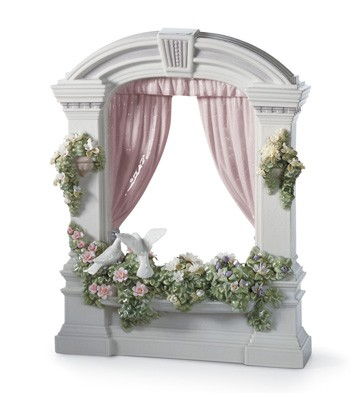 Window In Springtime Lladro Figurine