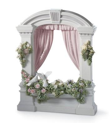 Window In Springtime Lladro Figurine