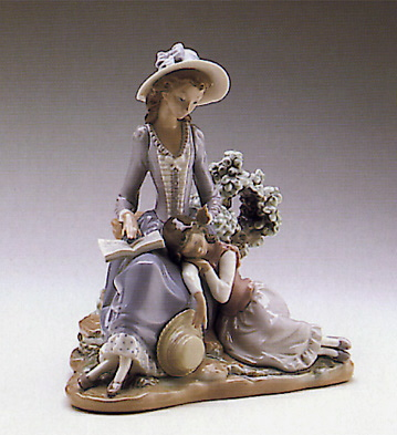 Woman And Girl Sleeping Lladro Figurine