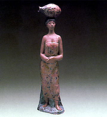 Woman From Altamira Lladro Figurine