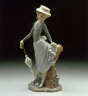 Young Lady In Trouble Lladro Figurine